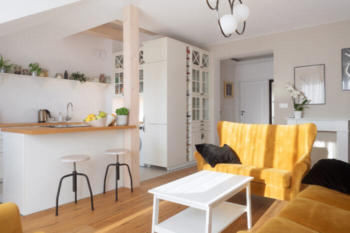 Fotografia wnętrz i nieruchomości - trzypokojowe mieszkanie Marki